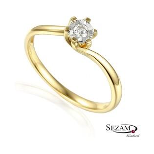 Złoty pierścionek zaręczynowy z brylantem Royal Magic nr AW 54800 YW próba 585