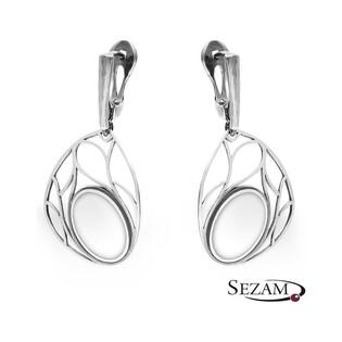 Kolczyki srebrne ażurowe z białą masą nr SZ SZ036